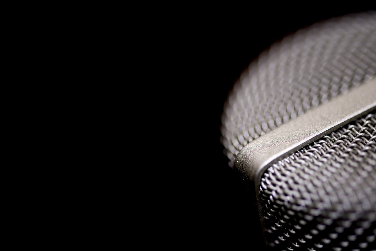 Microphone in close capture